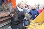 Металлоинвест приглашает новотройчан принять участие в озеленении городского парка