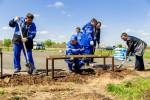 «Зеленый десант» из «Газпромнефть-Оренбурга» разбил парк в Новосергиевском районе