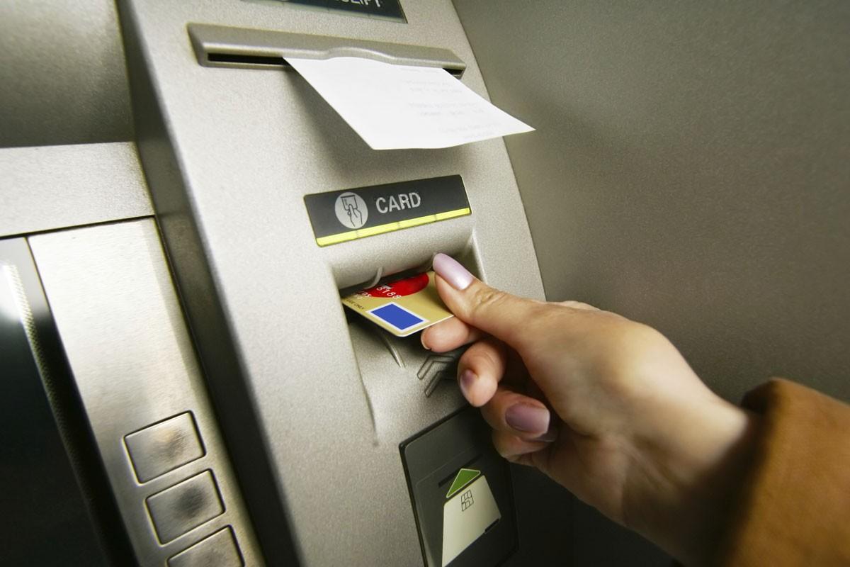 которые Мошенничество с кредитной карты можно снять деньги исполинов