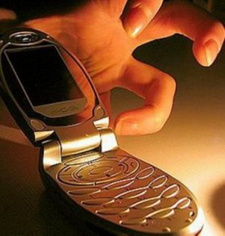 Оно детям о кражах мобильных телефонов Элвин, сказал